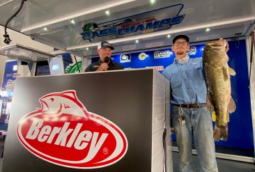 Aaron Anderson tops over 1100 anglers at 15th Annual Berkley Big Bass on Fork & takes home a New Skeeter ZX 200 - Yamaha 200 SHO