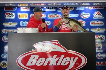 Jeremy Parker of Independence, MO tops over 900 anglers (new record) at 9th annual Berkley Big Bass on Lake Fork with a 9.69 & Wins a New Skeeter ZX 200-Yamaha SHO. Joshua Derden Wins a new Skeeter TZX 190 with a 2.57