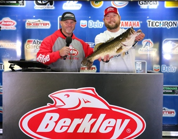 Aledo, TX Angler, Zach Fowler, holds off a record field of over 1150 anglers at the 13th Annual Berkley Big Bass event on Lake Fork with an 8.95 lb Giant and wins a new Skeeter ZX 200/ Yamaha/ Lowrance rig + $1000.