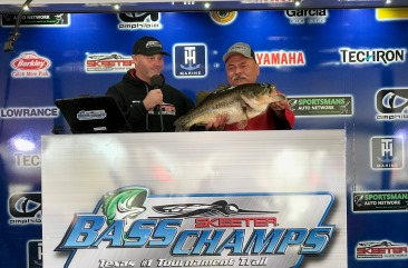Belton, TX angler, Rick Simons tops over 1600 anglers at the 2019 MEGA BASS on Lake Fork with an 11.93 and takes home $15,000 + a New Skeeter ZX 200 - Yamaha SHO