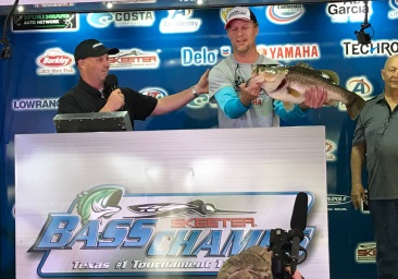 John Newkirk Wins a record setting day topping over 1800 anglers on Fork with a 12.35. Wins a Skeeter ZX 200-Yamaha 200 SHO- Lowrance - Power Pole Rig Plus $15,000.