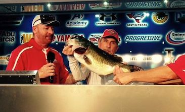 Walter Thomas Tops over 2100 Anglers at Skeeter Owners event with a 10.66 to take home a new Skeeter FX 20-Yamaha SHO