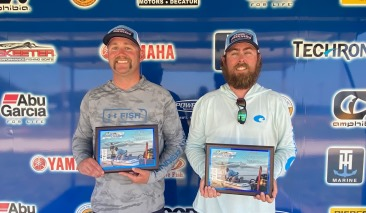 Tanner Spurgin & Tyler Holmes win over $23,000 at Tawakoni with 17.12 lbs.  Burns Brothers win North Region AOY