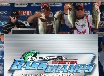Martin Elshout & Mark Price Win $20,000 and The Angler of the year title with over 30 lbs.