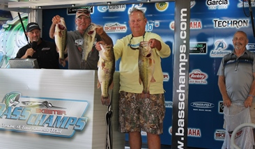 Elshout & Price top 244 teams to win over $20,000 with 29.78 lbs. Wilson & Lohr win AOY