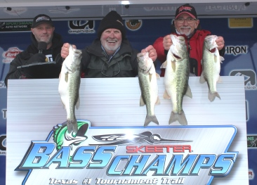 Chapman & Cummins battle freezing conditions on Lake Travis to win over $20,000 with 17.89